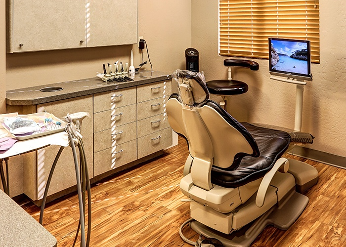 Dental Room and Equipment
