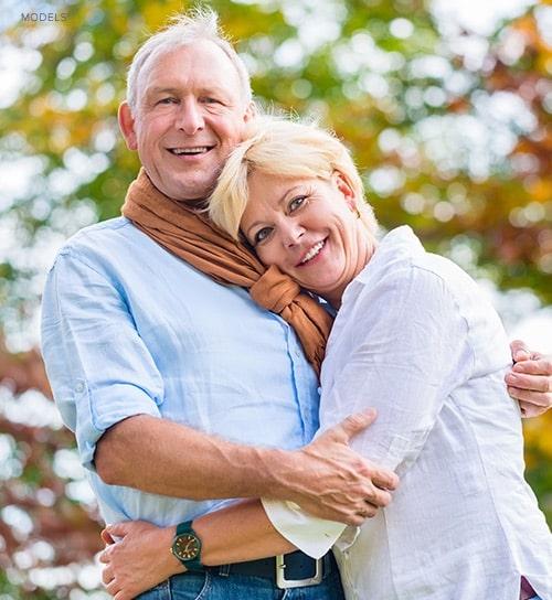 elderly-couple-hugging
